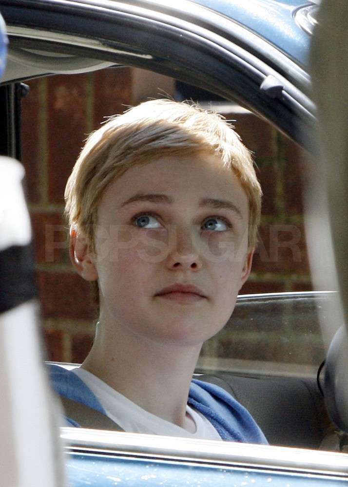 Dakota Fanning donned a very short wig.