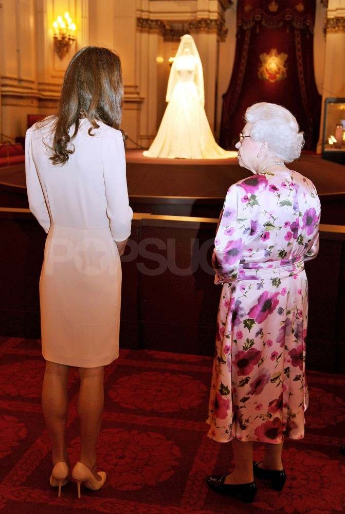 Kate Middleton Views Her Wedding Dress at Buckingham Palace With the Queen!