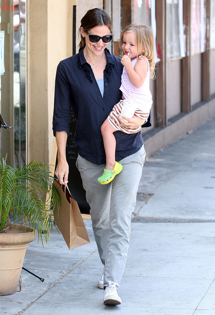 Jennifer Garner smiled at Seraphina.