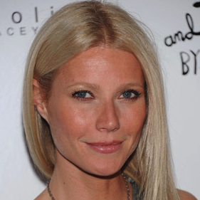 Gwyneth Paltrow Makes a Sex Joke on Twitter