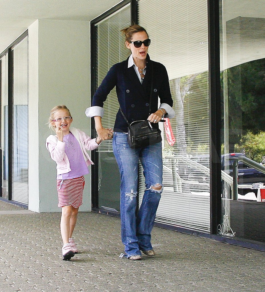 Jennifer Garner and Jennifer Meyer Take Their Little Ballerinas to Class