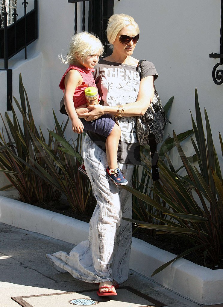 Gwen Stefani carried Zuma Rossdale.
