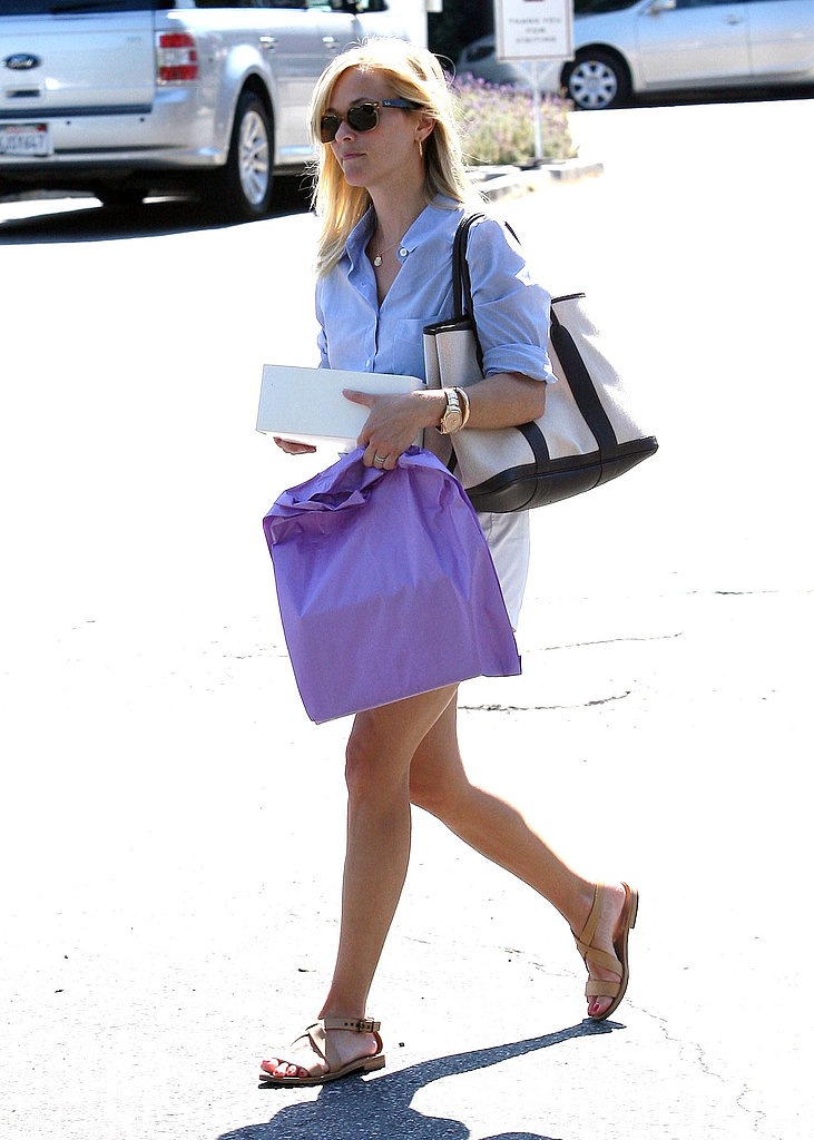 Reese Witherspoon run errands.