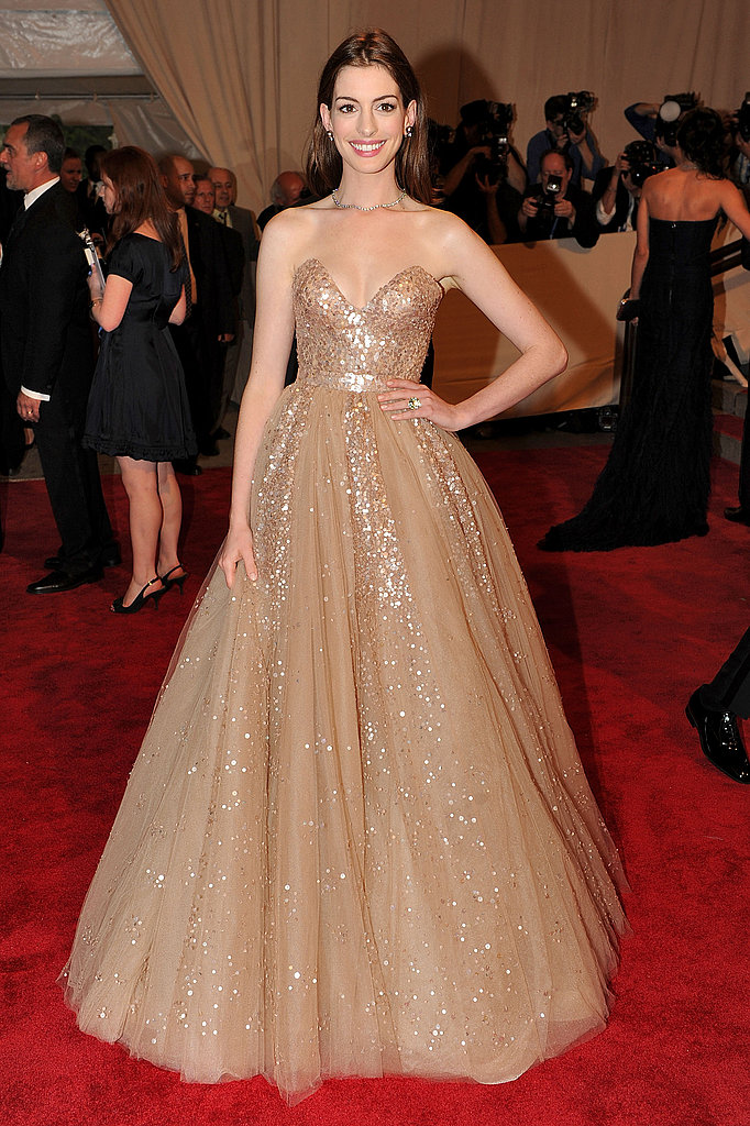 A total princess moment in Valentino at the 2010 Met Gala, this is one of our favorite Anne moments.
