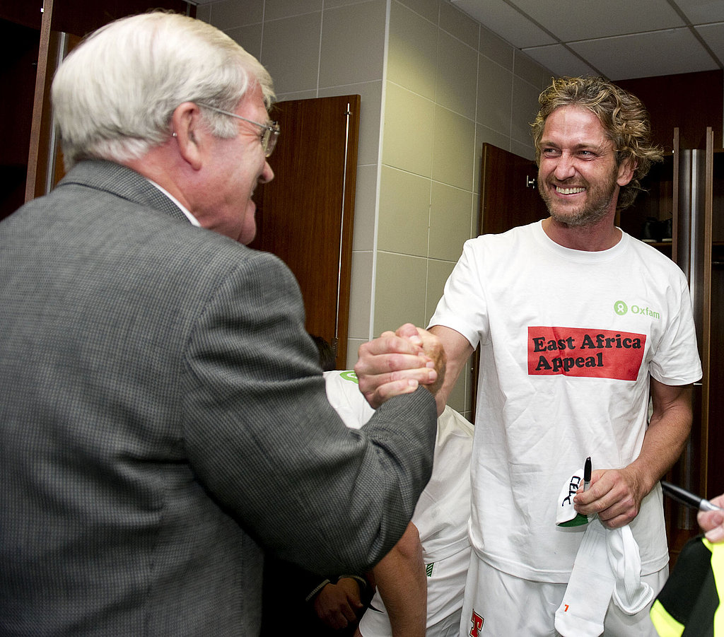 Gerard Butler met with the team and soccer dignitaries before the match.
