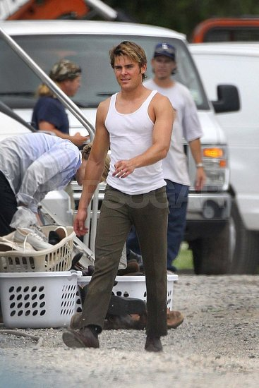 Zac Efron Bares His Buff Arms During a Casual Day on Set