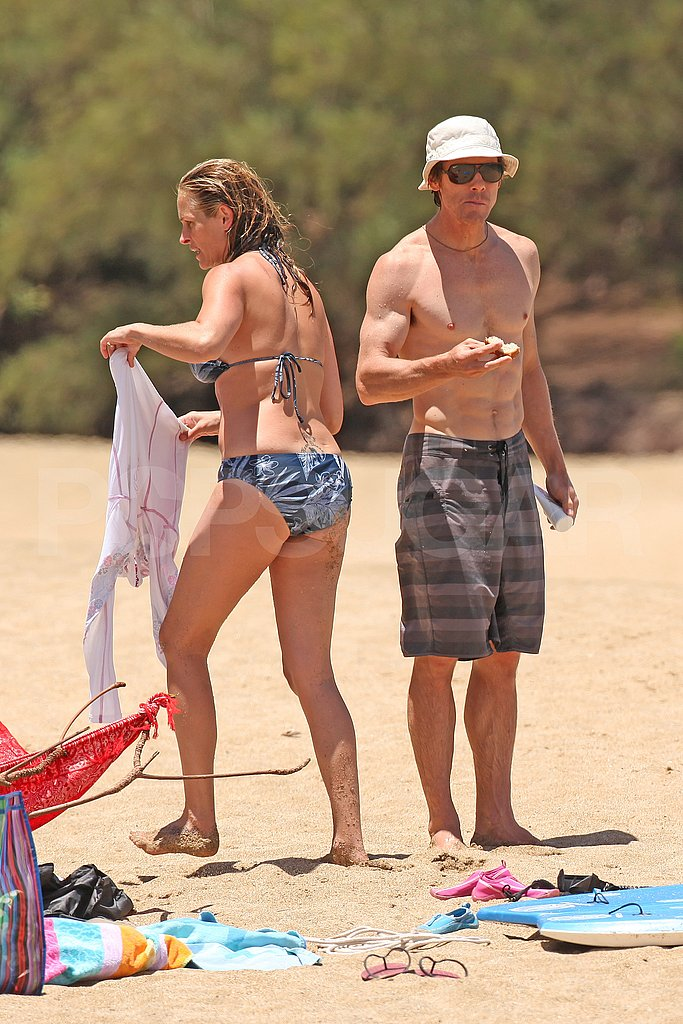 Julia Roberts with shirtless Danny Moder.