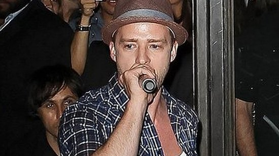 Video: Justin Timberlake Treats Star-Studded Crowd to Surprise Musical Performance