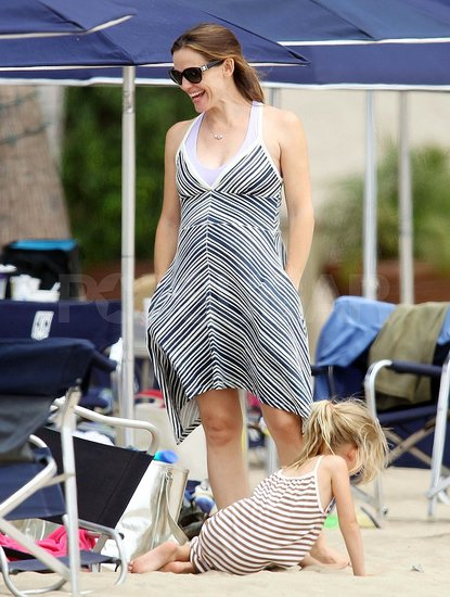 Jennifer Garner Shows Off Her Growing Baby Bump on the Beach With Violet