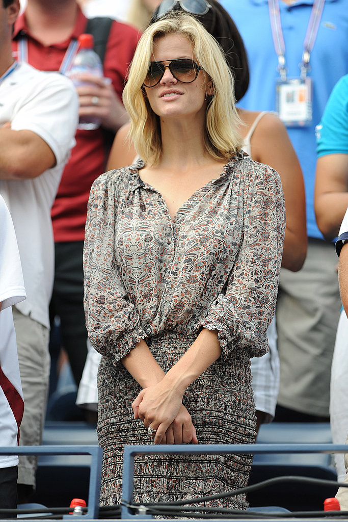 Brooklyn Decker cheers on Andy Roddick.