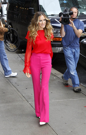 Sarah Jessica Parker Makes a Bold Statement on Her Way Into The Late Show
