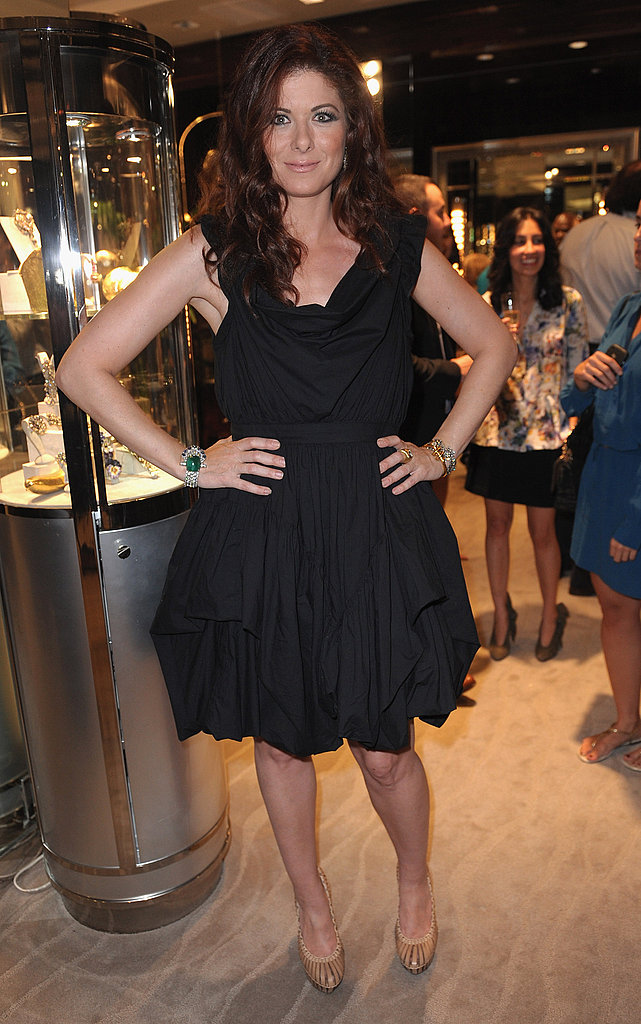 Debra Messing put her hands on her hips.