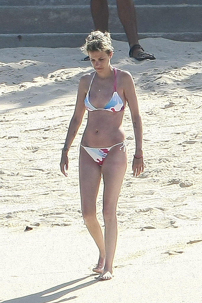 Samantha Ronson hit the beach in her bikini.