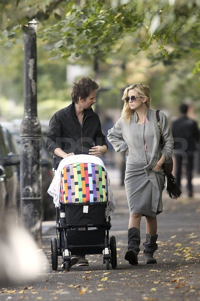 Kate Hudson and Matthew Bellamy took Bingham Bellamy on a walk.
