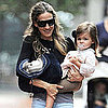 Sarah Jessica Parker With Her Twins in the Rain Pictures