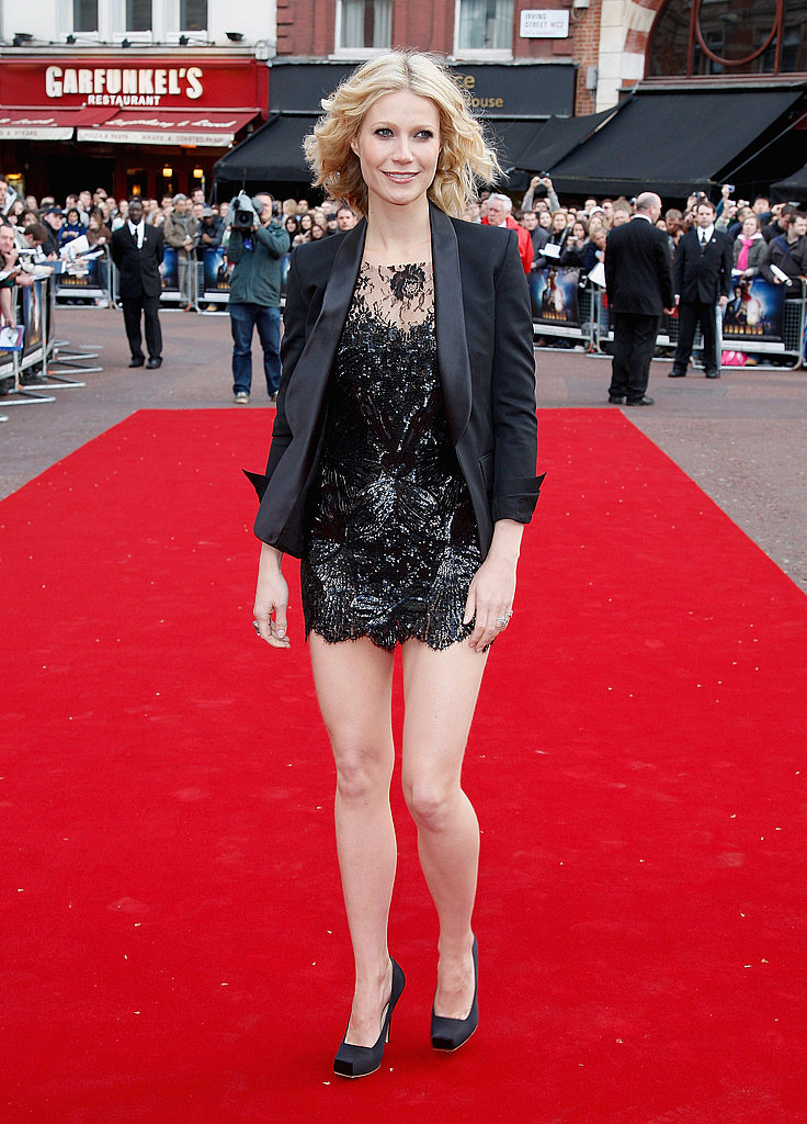A gorgeous, embellished McQueen mini on the red carpet in 2008.