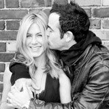 Jennifer Aniston and Justin Theroux PDA Photo Shoot [Video]