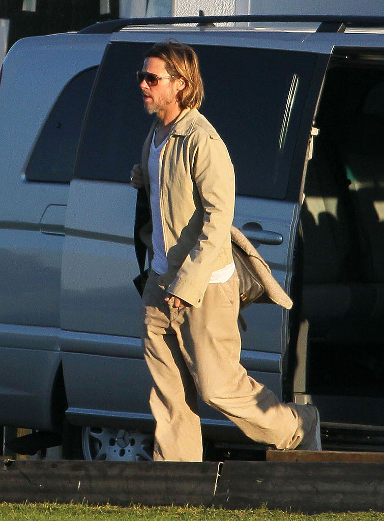 Brad Pitt rode in a van.