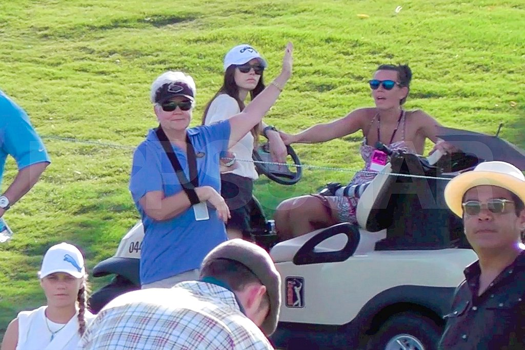 Jessica Biel looked on as Justin Timberlake golfed.