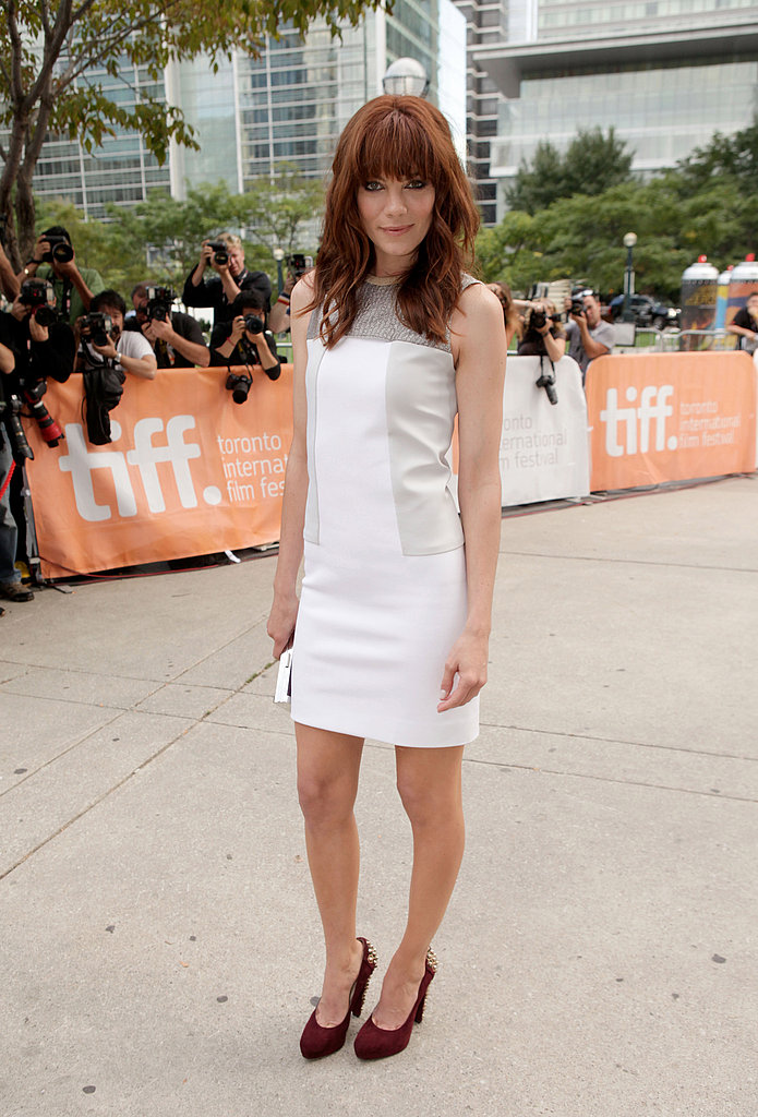 Michelle Monaghan let her burgundy Brian Atwood pumps play opposite to a clean white Calvin Klein sheath.
