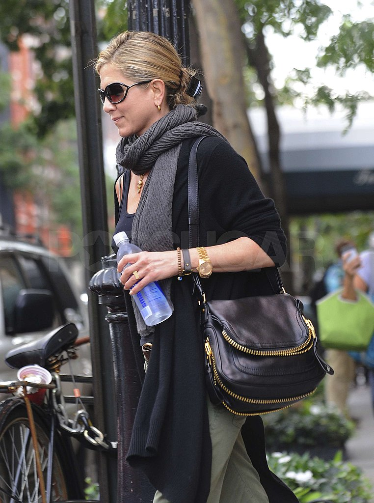 Jennifer Aniston crossed the street.