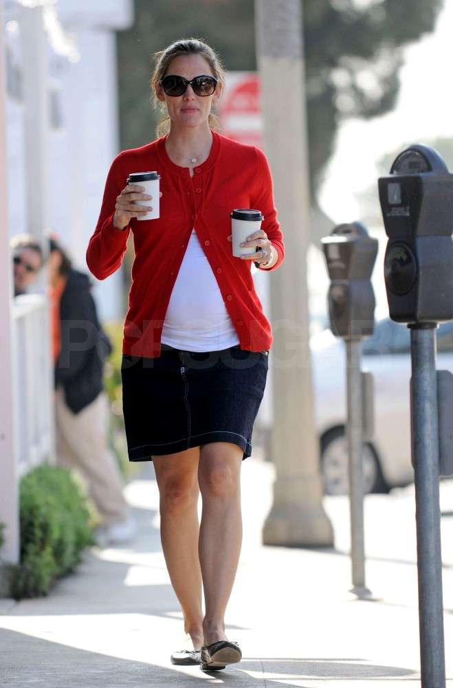 Jennifer Garner ran errands in the morning.