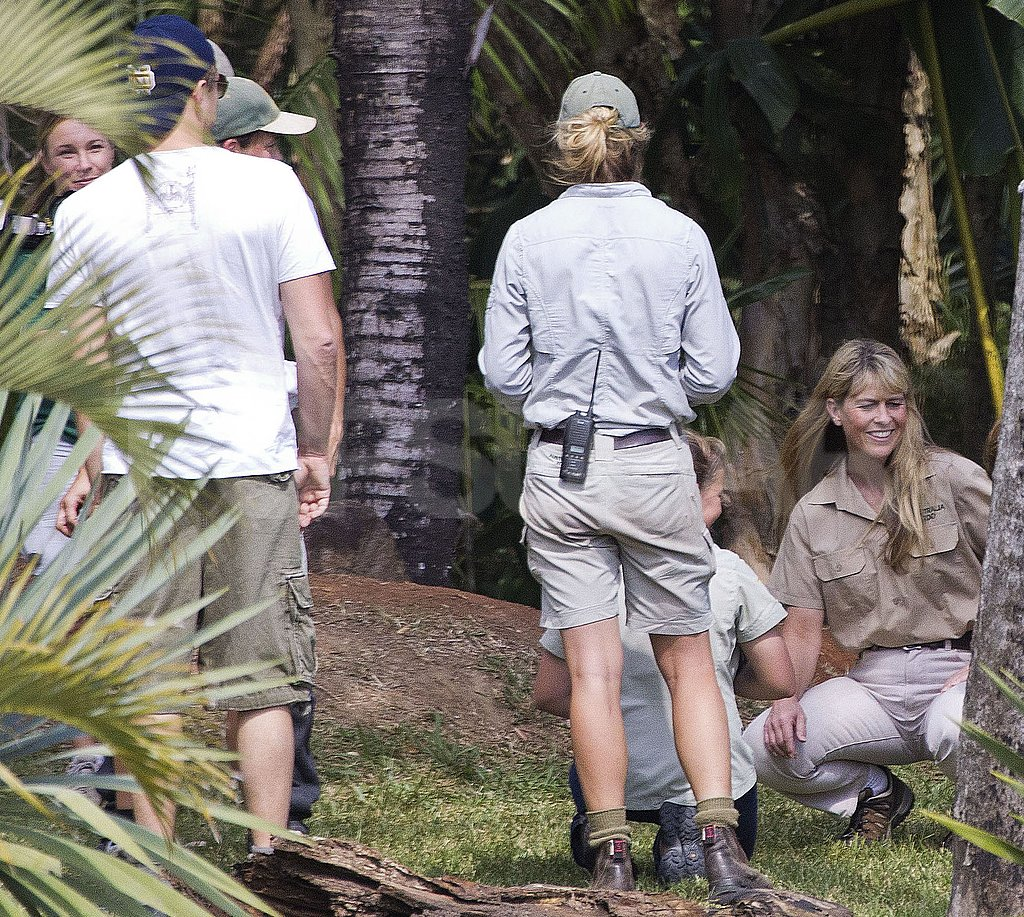 Leonardo DiCaprio let Terri Irwin show him the ropes.