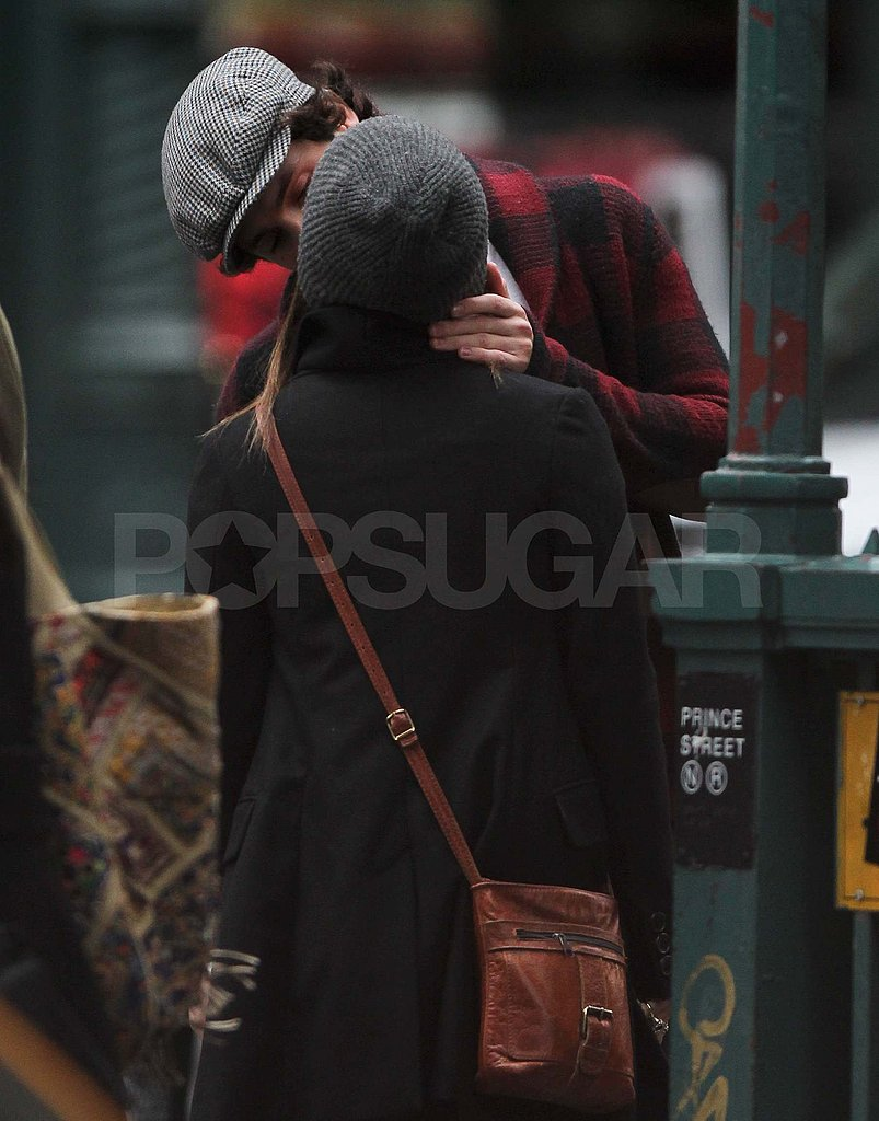 Penn Badgley kissing Zoe Kravitz in NYC.
