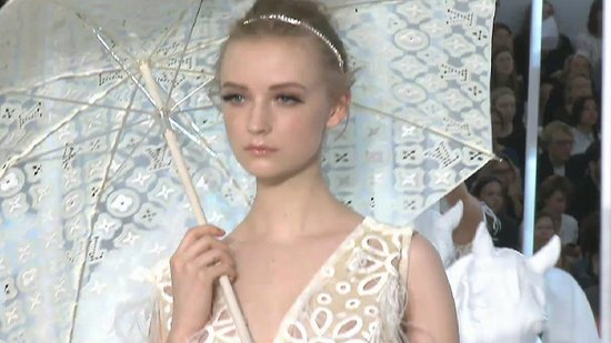 Watch Louis Vuitton's Spring Summer 2012 Runway Show