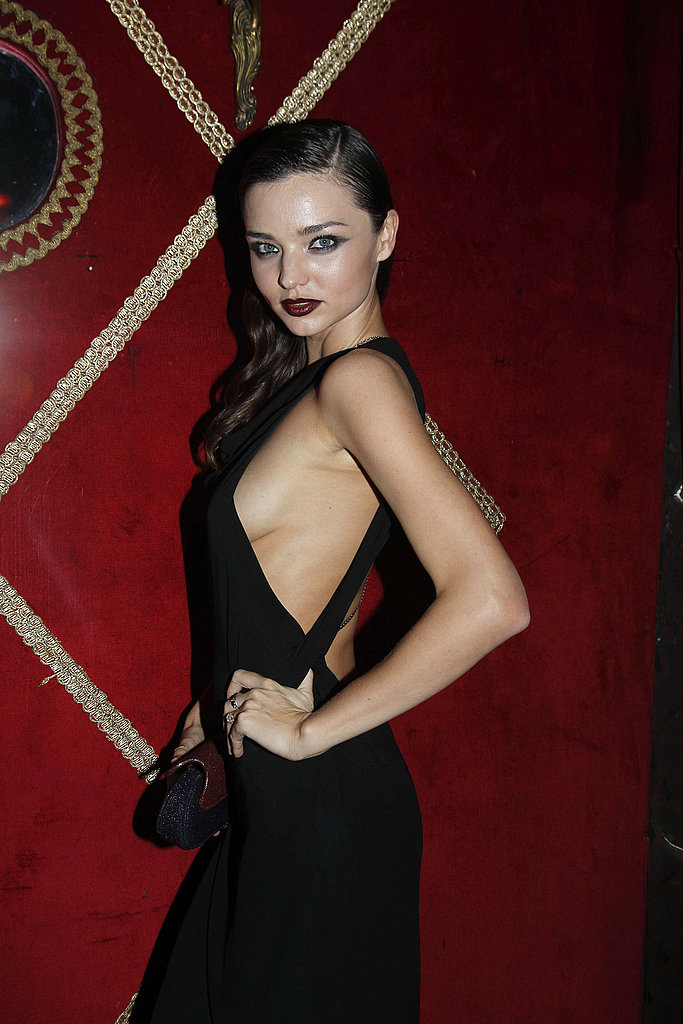 Miranda Kerr didn't hide her sex appeal at a dinner in Paris.