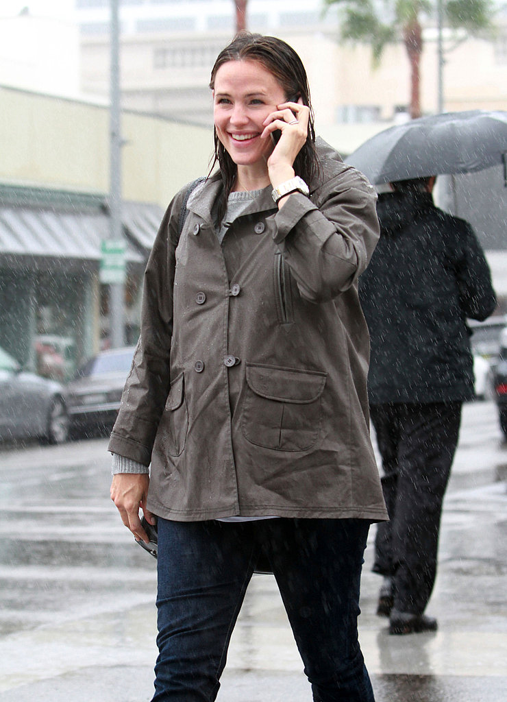 Jennifer Garner was all smiles despite being caught in the rain in LA.