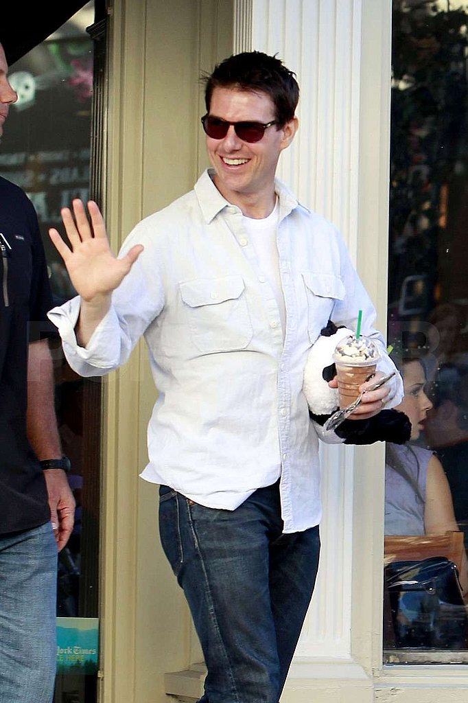 Tom Cruise made a Starbucks run in Pittsburg.