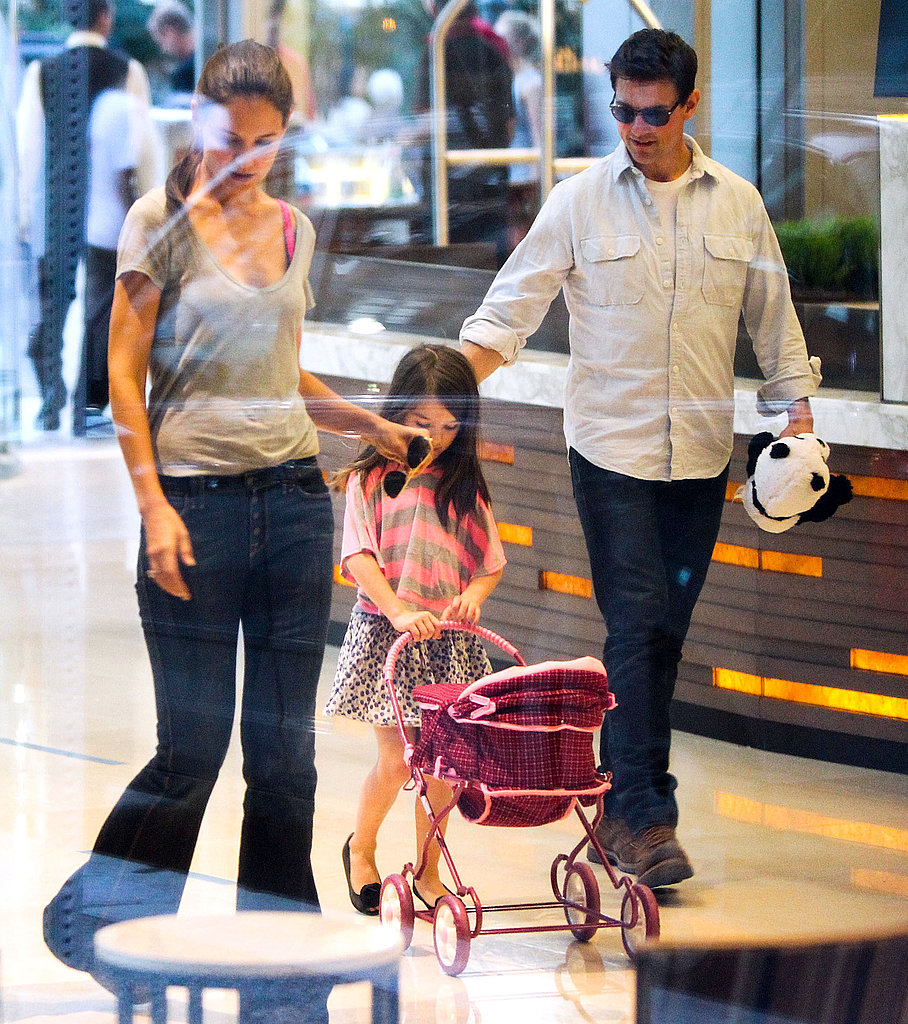 Tom Cruise and Katie Holmes enjoyed a day out with Suri Cruise in Pittsburg.