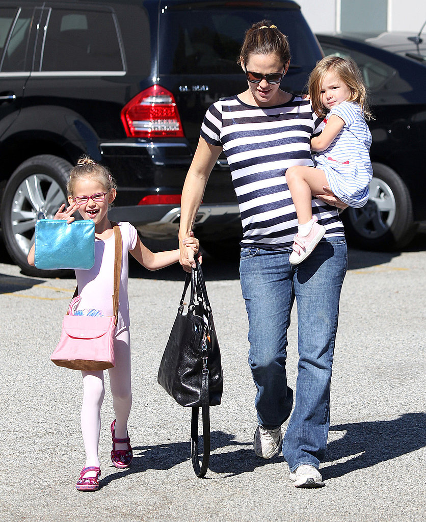 Jennifer Garner carried Seraphina to ballet class with Violet.