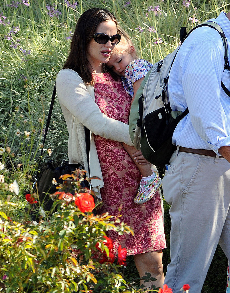 Jennifer Garner carried a sleepy Seraphina at the Getty Center.
