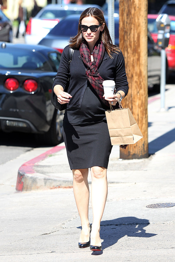 Jennifer Garner ate at a favorite restaurant.
