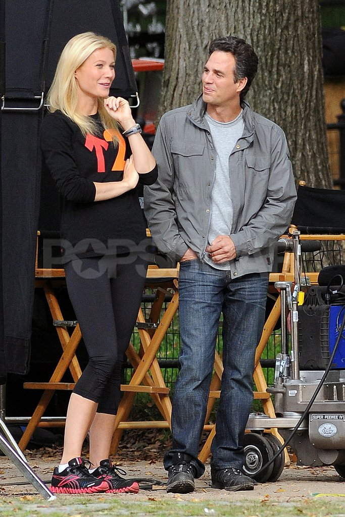 Gwyneth Paltrow and Mark Ruffalo swapped stories between scenes.
