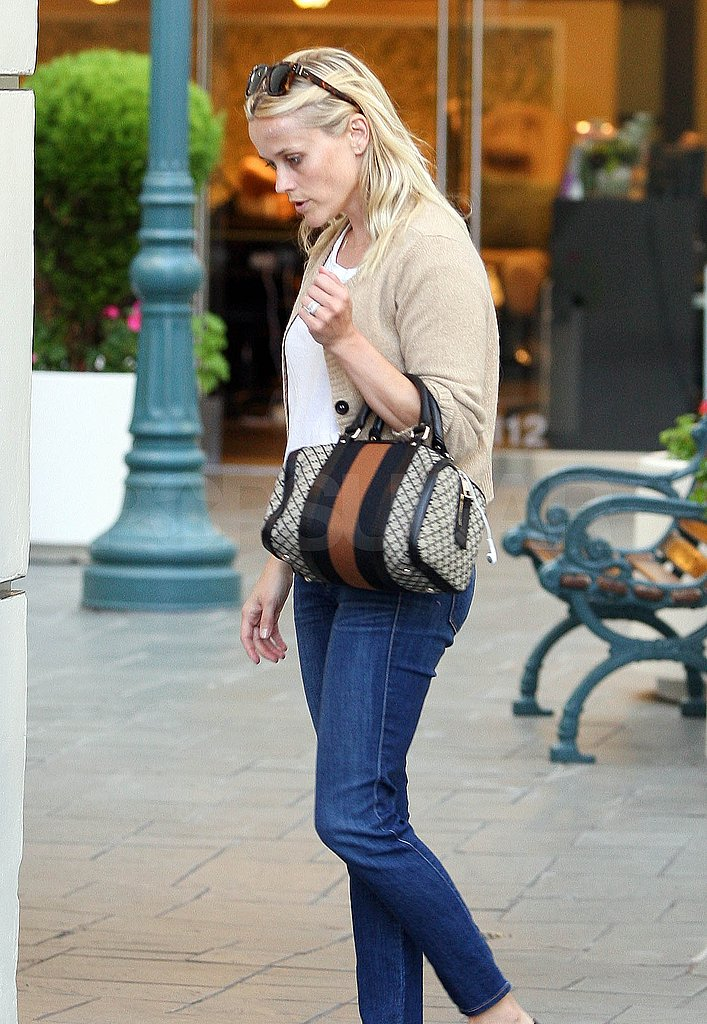 Reese Witherspoon carried a Gucci tote.