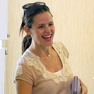 Jennifer Garner at Menchie's Frozen Yogurt Pictures