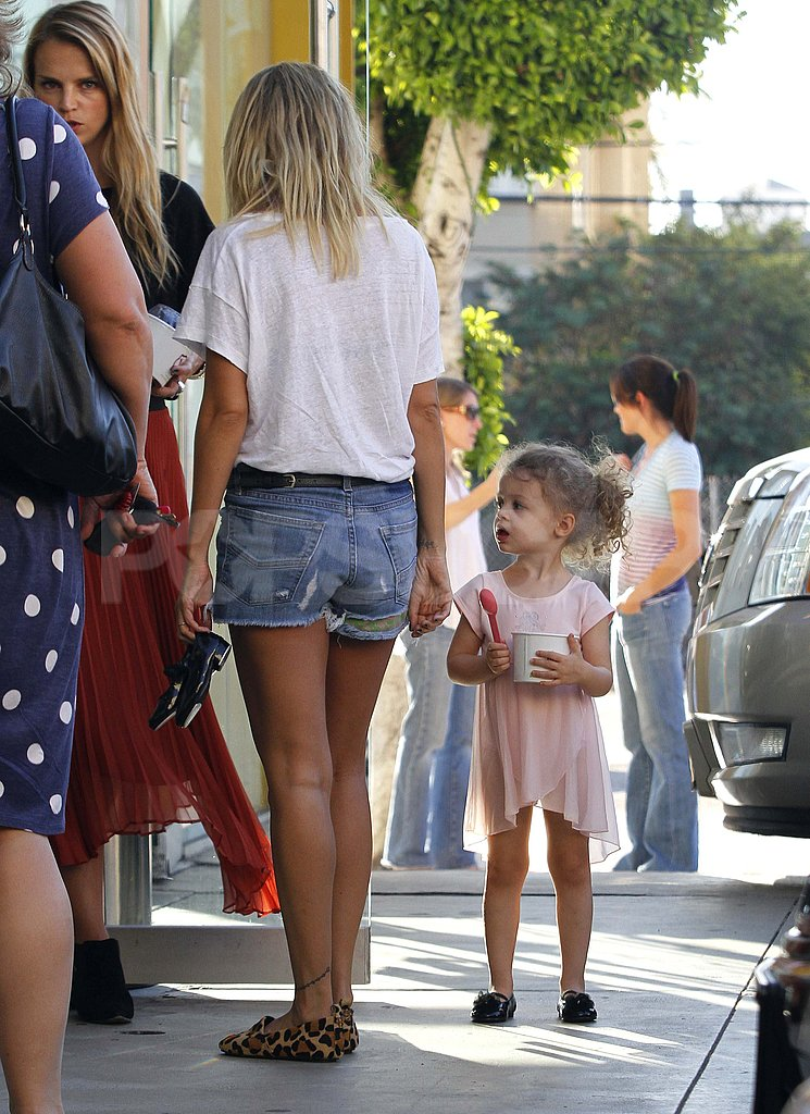 Nicole Richie and Harlow Madden waited for ballet class to begin.