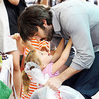 Ben Affleck With Violet and Seraphina Pictures at Market