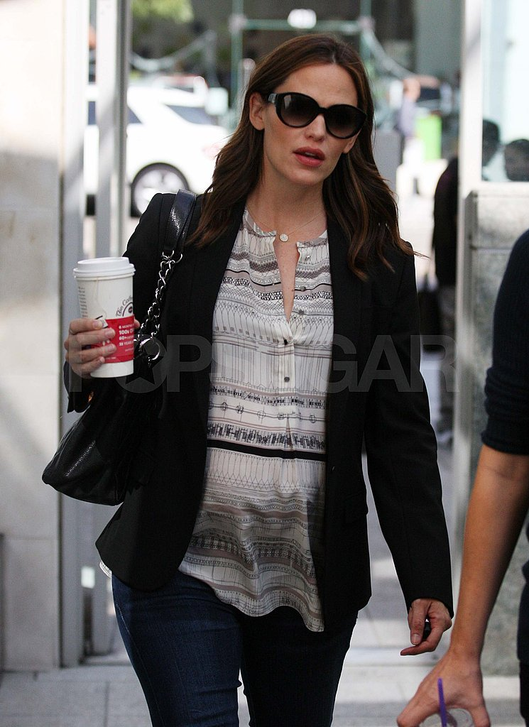Jennifer Garner gets coffee in LA.