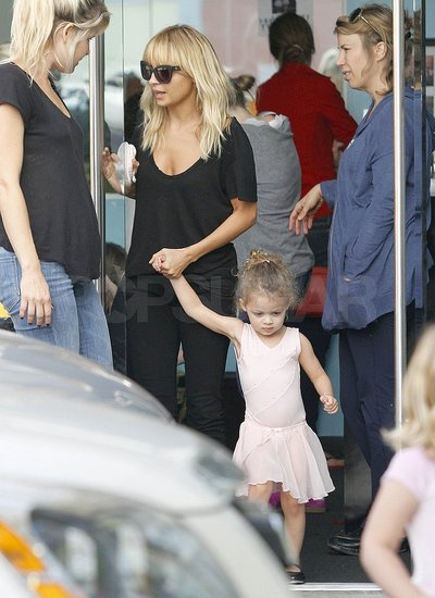 Nicole Richie Lets Down Her Newly Trimmed Hair For a Day With Ballerina Harlow