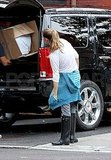 Gisele Bundchen supervised moving boxes in Boston.