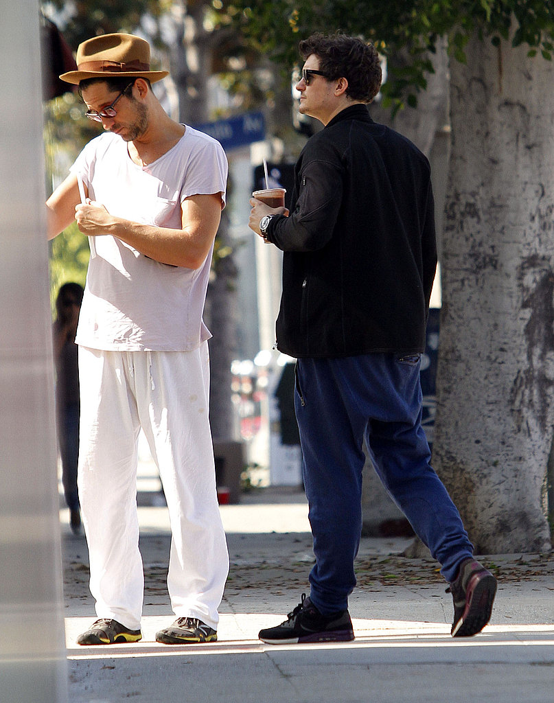Orlando Bloom met a friend for a snack.