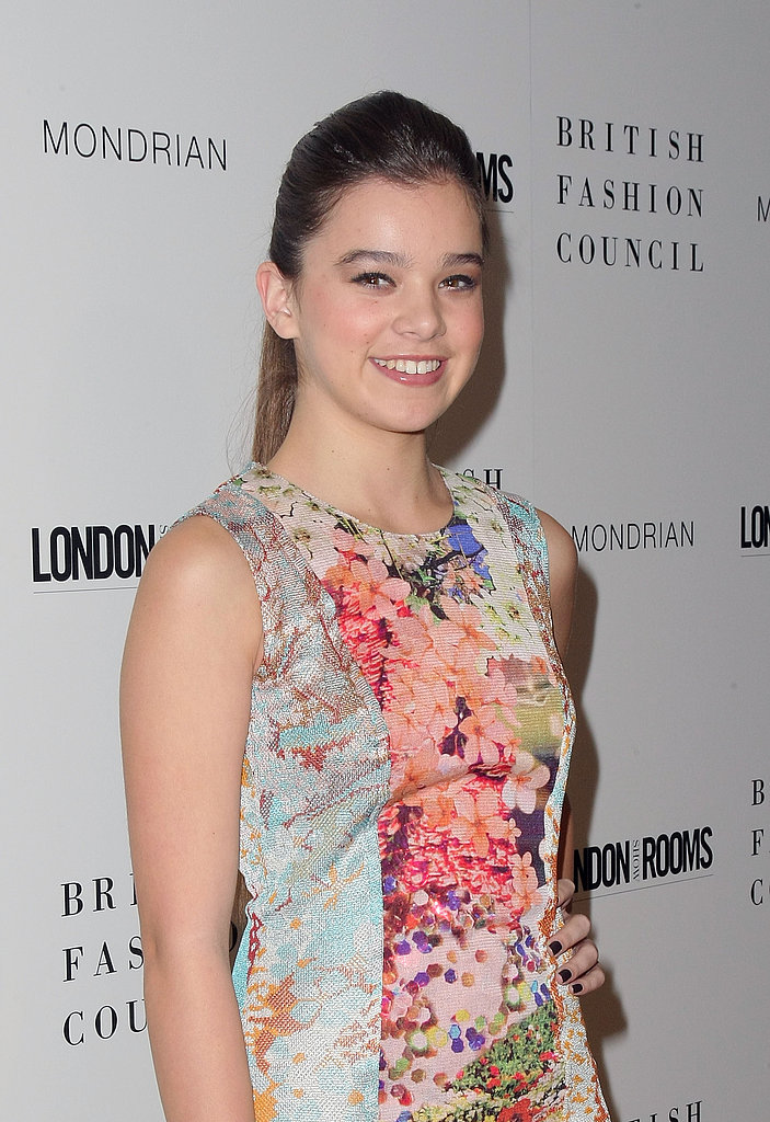 Hailee Steinfeld wore a ponytail for the event.