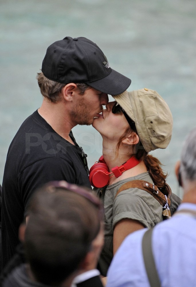 Drew and Will kissed in front of the Trevi fountain.