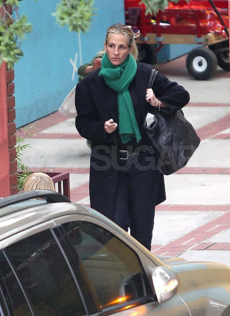 Julia Roberts picks up her kids in LA.