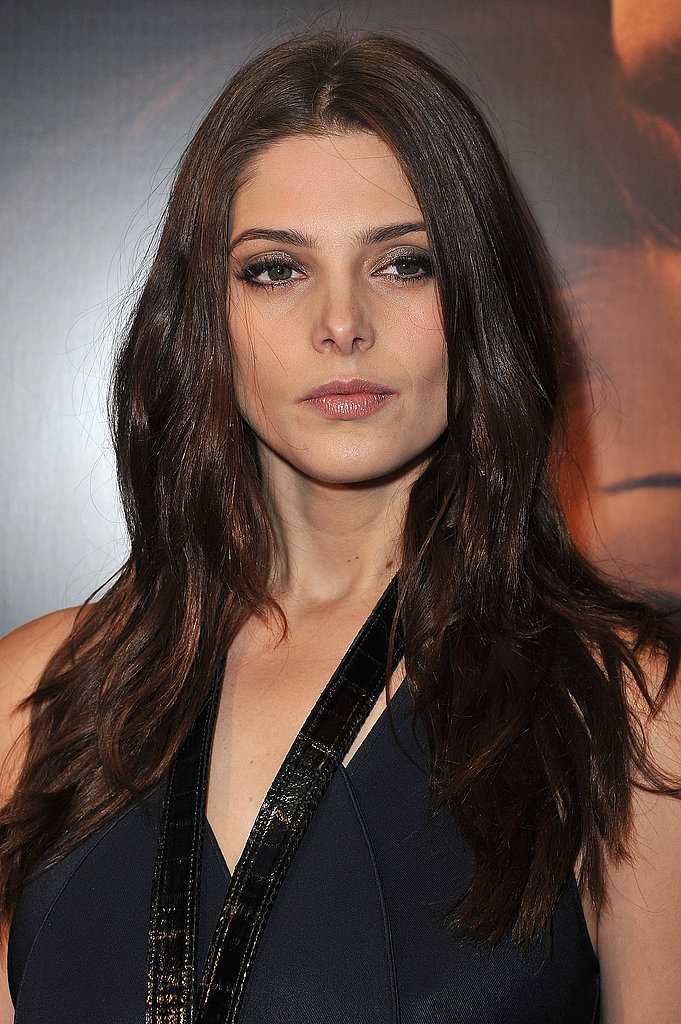 Ashley Greene brought her killer cheek bones to the red carpet.