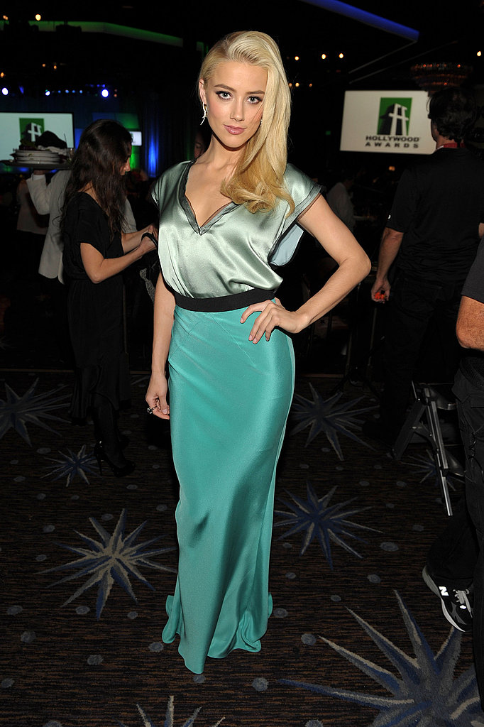 Amber Heard posed at the 2011 Hollywood Film Awards in Roksanda Ilincic.